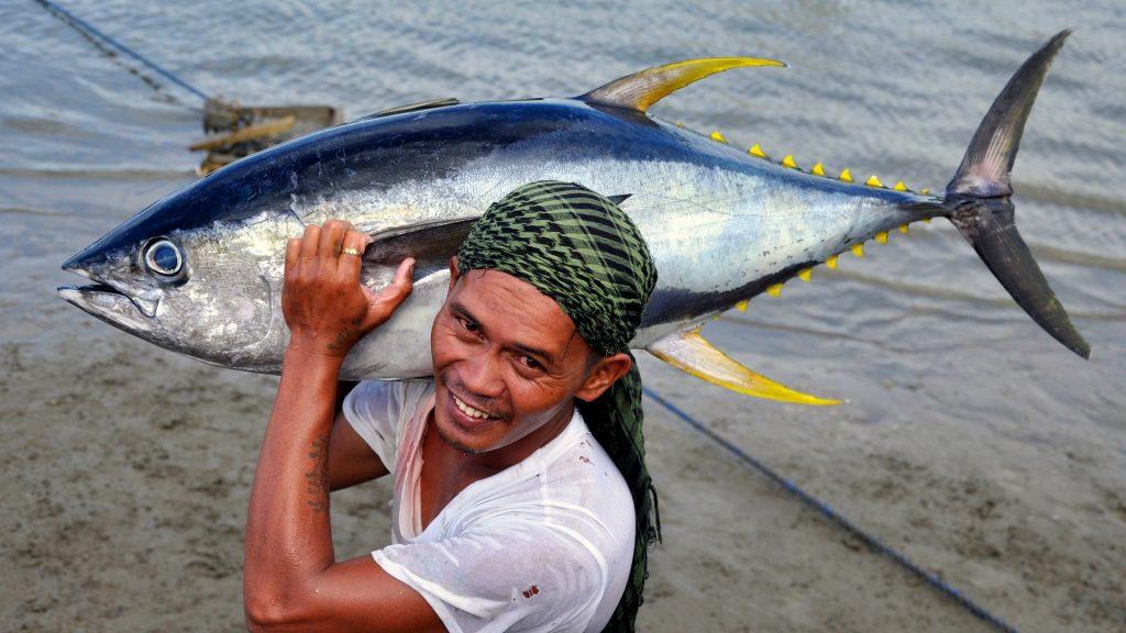 tuna_trip_for_mamburao__mindoro_by_gregg_yan_wwf___3___4_march_2011__68_